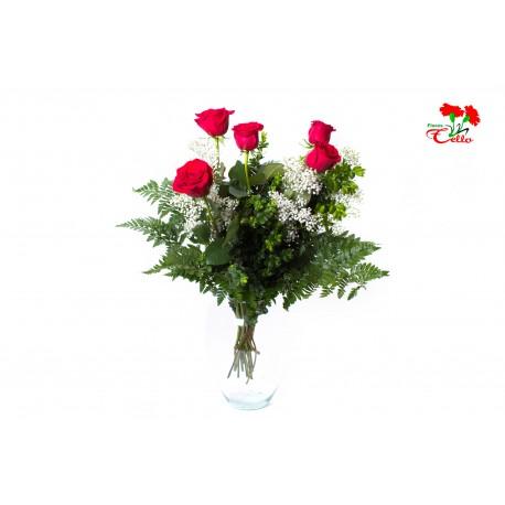 5 Rosas rojas Tallo Corto